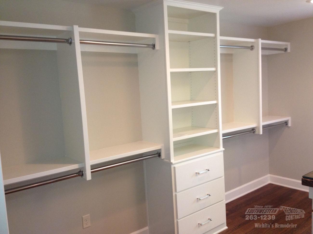 32 - Bathroom Closet Design